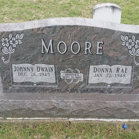 moore-paradisio-headstone