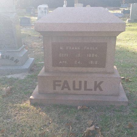 obelisk-headstone